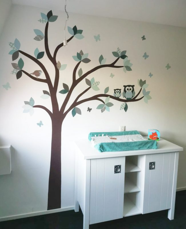 Droomboom behangboom babykamer mintgroen grijs tinten behangdecoratie muursticker oudroze uilen babykamer decoratie behang baby