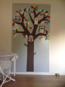 stoffen decoratie babykamer kinderkamer uil knuffel kleuren baby behangboom mdf plaat