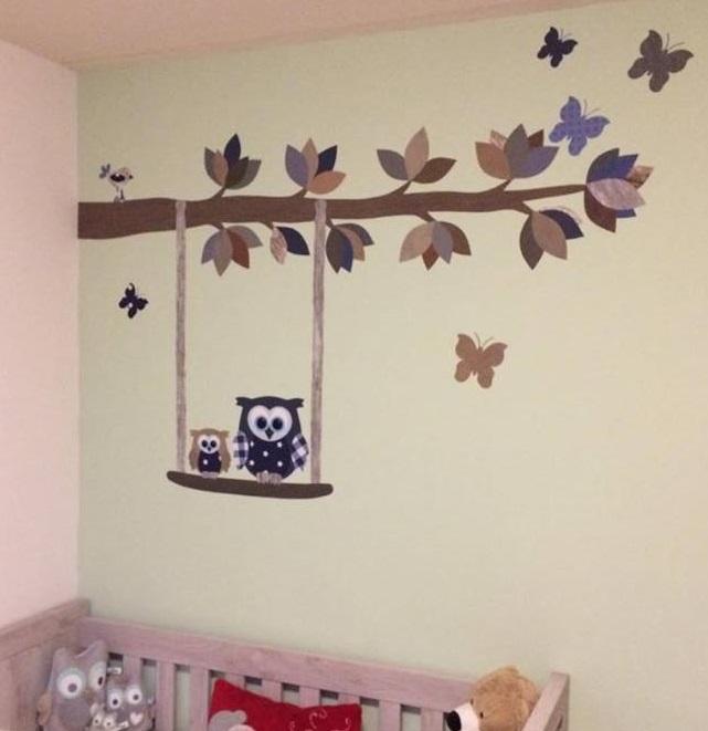 behangtak vanuit hoek babykamer kinderkamer decoratie muur uil behang
