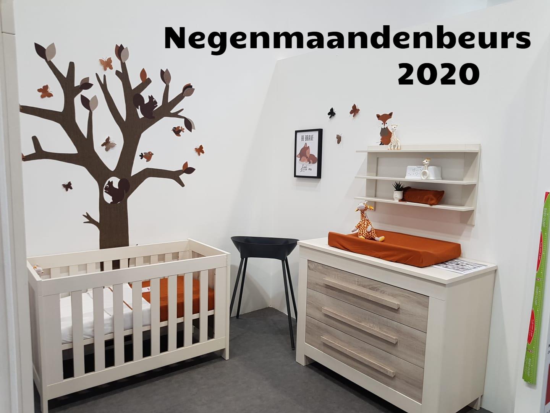 negenmaandenbeurs 2020 babykamer behangdecoratie vos roes trend